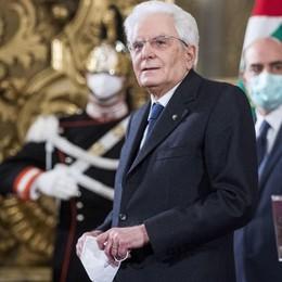 Mattarella: «Serve governo di alto profilo» Convocato al Quirinale Mario Draghi