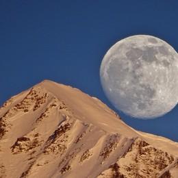 «Spunta la luna dal monte... Cimone»