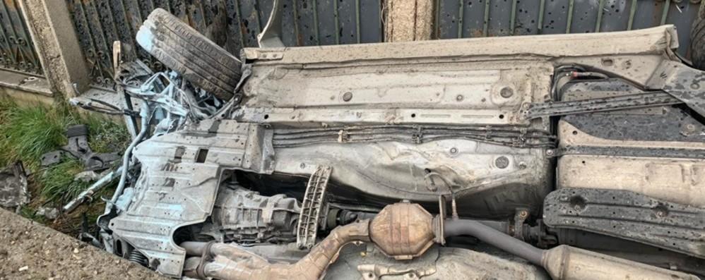 Auto sbanda, esce di strada e si ribalta Grave un 52enne a Bolgare - Foto