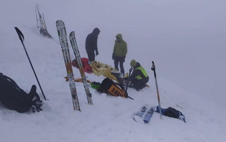 Due scialpinisti feriti sul monte Grem Scattano i soccorsi, portati in salvo -  Video