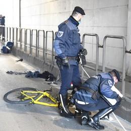 Investito nel sottopasso a Romano Morto in ospedale il ciclista, aveva 31 anni