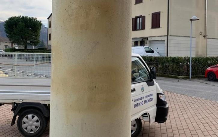 Scritte antisemite sui muri della scuola Due minorenni denunciati a Chiuduno