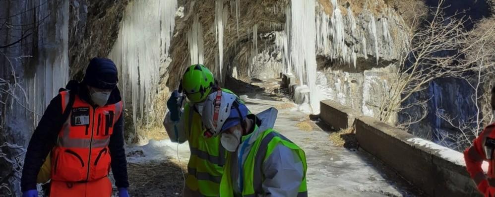 Via Mala, 78enne scivola sul ghiaccio  Colere, interviene il Soccorso alpino-Foto
