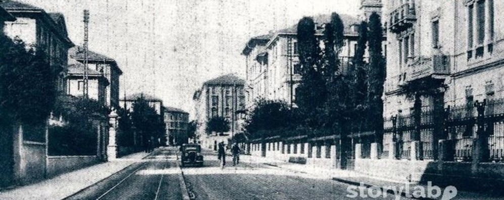 Bergamo, anni Trenta in via Paleocapa Fra  palazzi eleganti e   binari del  tram