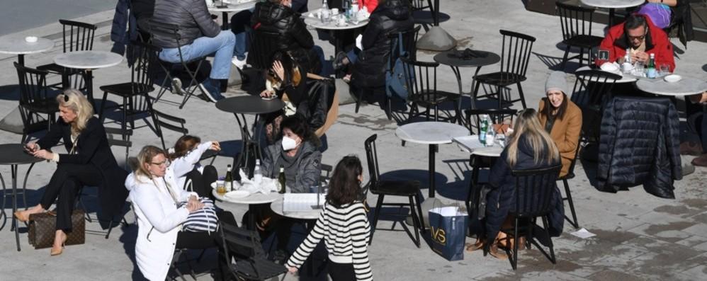 Cresce il contagio: Rt in Italia a 0,99 «Innalzare le misure su tutta la nazione»