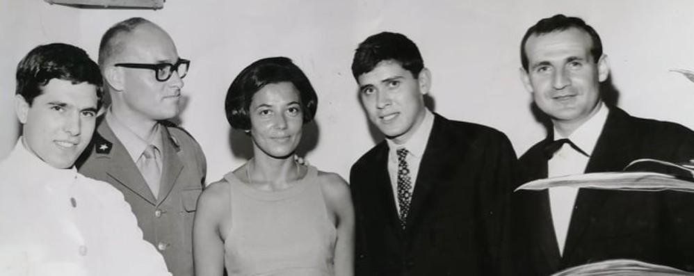 Gianni Morandi a Bergamo nel 1967 Due giorni tra militari e concerti in caserma