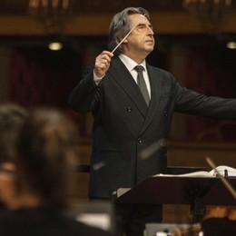 Il concerto dedicato a Bergamo  Riccardo Muti al teatro Donizetti -Video