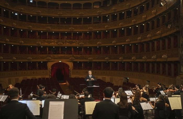 concerto dell'Orchestra Giovanile Luigi Cherubini diretta dal maestro Riccardo Muti al Teatro Donizetti di Bergamo
