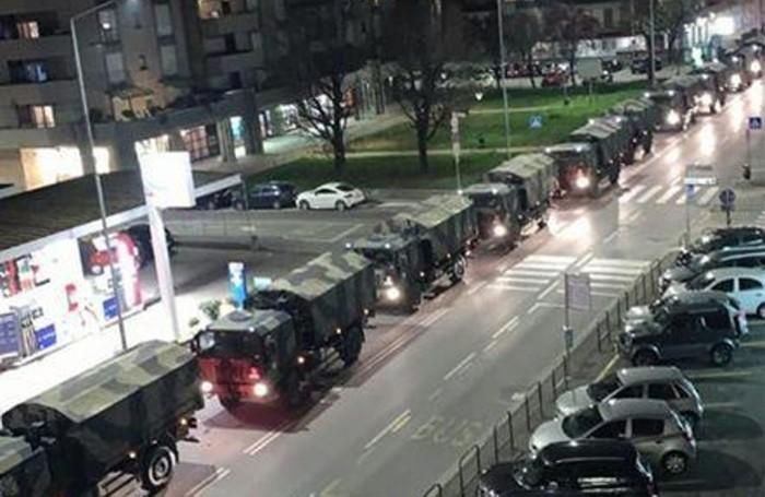 Il 18 marzo i camion militari portano via da Bergamo i feretri delle vittime del coronavirus