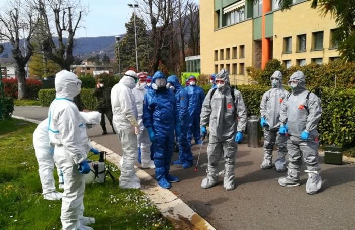 Le squadre dei tecnici russi per la sanificazione delle Rsa di Alzano