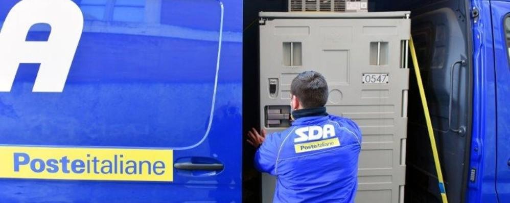 Poste Italiane consegna a Bergamo 5.700 dosi di vaccino AstraZeneca