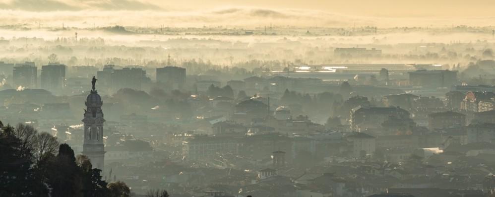 Smog, la qualità dell'aria migliora Da mercoledì revocate le limitazioni