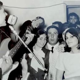 «Sono io la ragazza col fiocco in quella foto con Gianni Morandi»