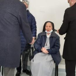 Suor Anita, 101 anni, la prima vaccinata A Seriate arriva anche Bertolaso