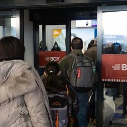 Trasporto aereo, un manifesto per la crisi Cisl: «Da tutelare i lavoratori di Orio»