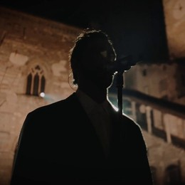 Un anno di Covid a Bergamo con Mengoni I video online, stasera su Rai1 da Città Alta