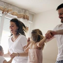 Un terzo dei genitori si sente solo Pesa la pressione sociale