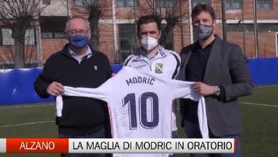 Alzano, la maglia autografata di Modric in dono all'Oratorio Immacolata