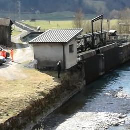 Ardesio, donna  nelle acque del fiume Serio Sentite  le grida d'aiuto:  recuperata, è grave