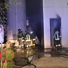 Azzano, prende fuoco un generatore Salta la  corrente in un terzo del paese - Foto