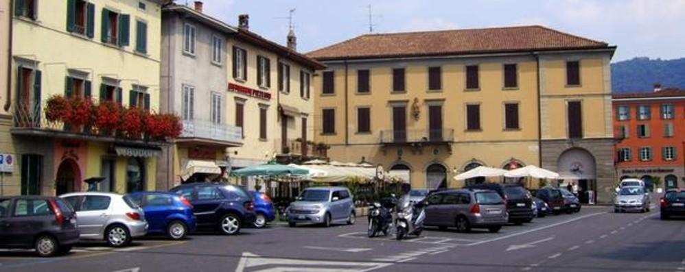 Bergamo, semi-lockdown in 8 Comuni Scuole chiuse e vaccinazioni a tappeto