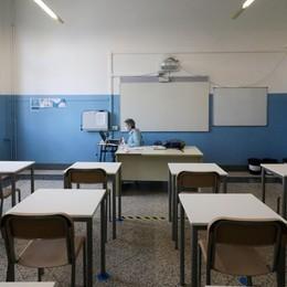 Emergenza scuole, l'appello:  «Per evitare altri stop vaccini ai docenti»