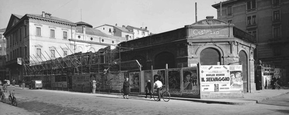 Largo Belotti, ricordi dal passato fra il teatro e la fabbrica di biciclette