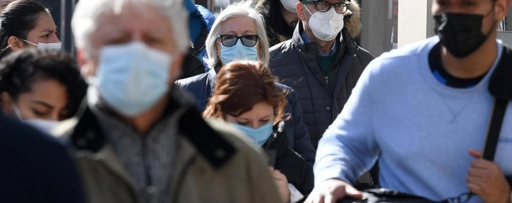 Misure urgenti per contenere il contagio «Lombardia in arancione rafforzato»