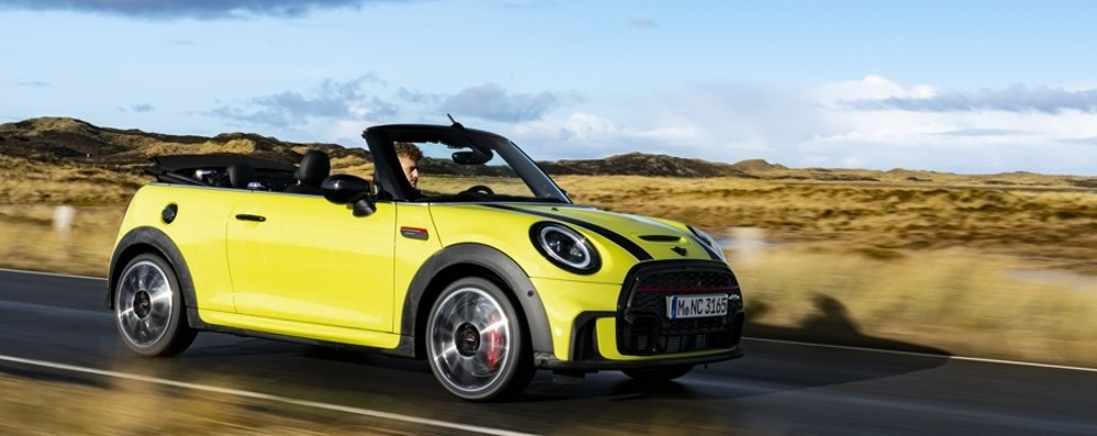 Nuova Mini Cabrio: quattro posti open-air