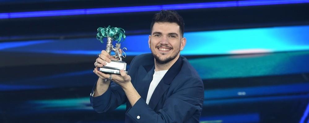 Sanremo, Ermal Meta resta primo  Giovani, vince Gaudiano: «A mio padre»