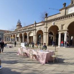 Sul Sentierone allestito un matrimonio  Il mondo del wedding in piazza