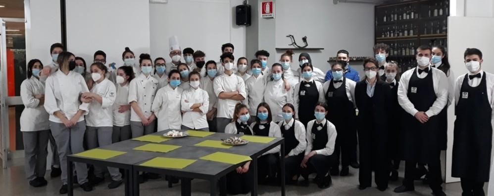 Tour «virtuale» dei sapori regionali - Foto Piatti tipici degli studenti dell'Alberghiero