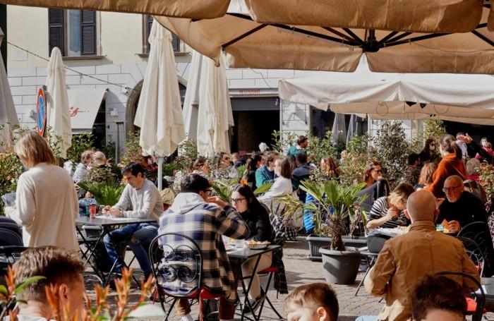 Pienone in centro e nei ristoranti in piazza Pontida