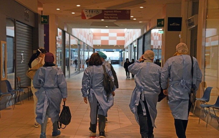 Vaccini over 80, caos negli «smistamenti»  Dalle valli inviati fino ad Antegnate