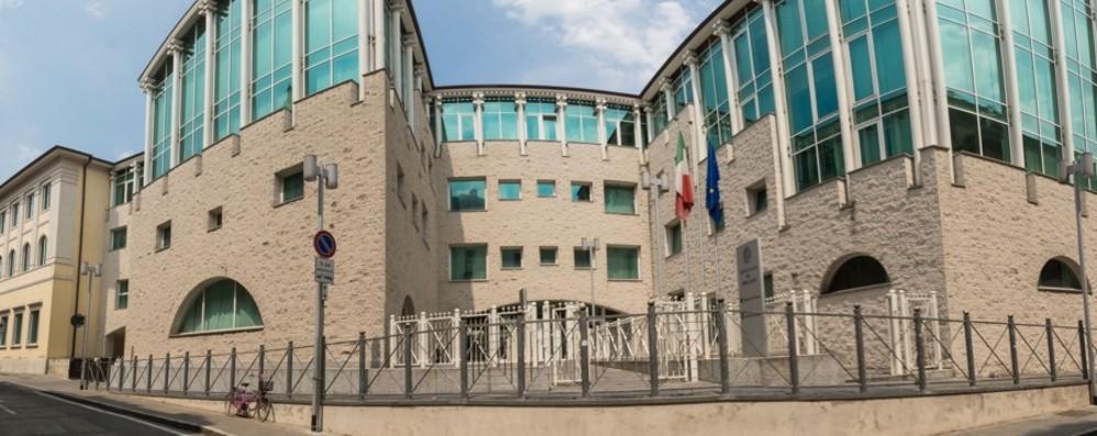 A processo l'ex senatore Enrico Piccinelli Foppolo e Valleve, ex sindaci patteggiano