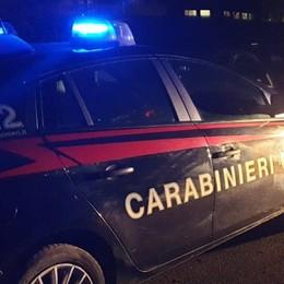 Festa in cascina, due fratelli aggrediscono i carabinieri
