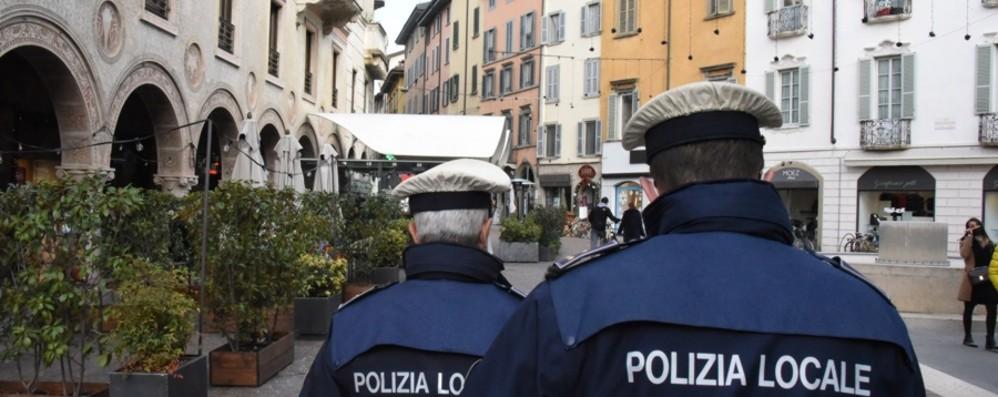 Per il Covid oltre 150 mila controlli e 473 multe Polizia Locale, arrivano le unità mobili di quartiere