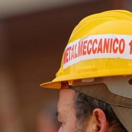Rinnovato il contratto dei metalmeccanici I sindacati: «Accordo storico»