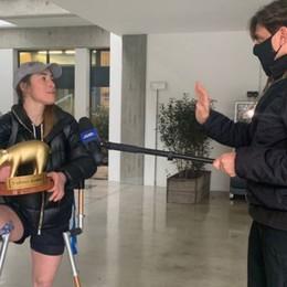 Sofia Goggia, arriva il Tapiro di Striscia «Sarà l'unico oro che vincerò quest'anno»