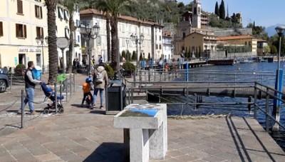 Riva di Solto, un lunedì dell'Angelo senza turisti sul lago