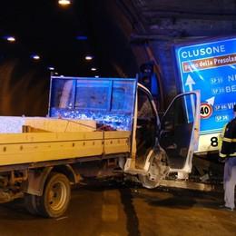 Un malore al volante, poi il tragico schianto: così è morto il 52enne di Paullo nella galleria di Montenegrone