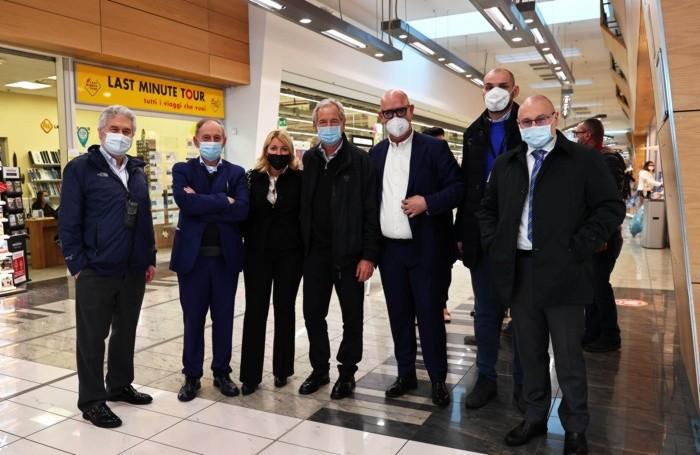 Bertolaso all'hub Mapello con amministratori e autorità