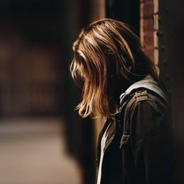 Bergamo, l'isolamento e i danni per gli adolescenti: «Casi di autolesionismo in forte crescita»