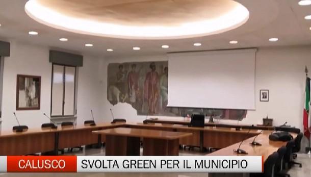 Svolta green per il municipio di Calusco: via l'amianto e nuovi pannelli fotovoltaici