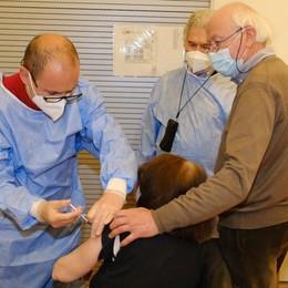 Albino, parte l'hub gestito dai medici di famiglia: in poche ore tremila prenotati