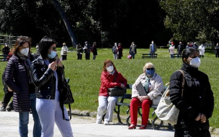 Vaccini anti Covid: record di 347.279 dosi in un giorno in Italia