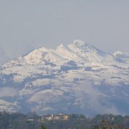 Ancora freddo dal Nord Europa, la neve imbianca le nostre montagne
