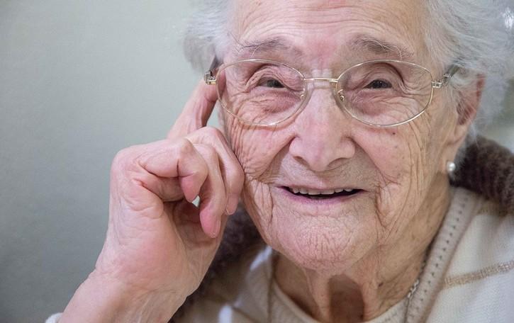Angela spegne 111 candeline: in Italia solo una donna più anziana di lei