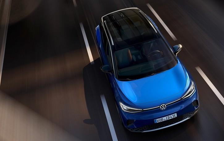 Avanti con le auto elettriche: abbattono gas serra, inquinanti e consumi