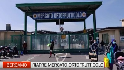 Bergamo, il ritorno della gente al mercato ortofrutticolo